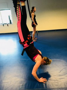 bungee-fitness-handstand